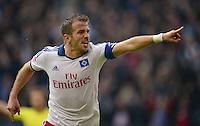 FUSSBALL   1. BUNDESLIGA   SAISON 2013/2014   9. SPIELTAG Hamburger SV - VfB Stuttgart                               20.10.2013 Rafael van der Vaart (Hamburger SV)  bejubelt seinen Treffer zum 3:3