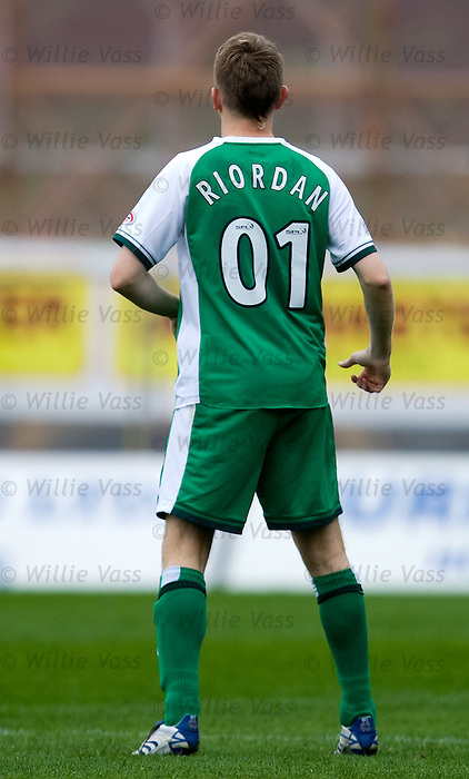 Derek Riordan wearing number 01