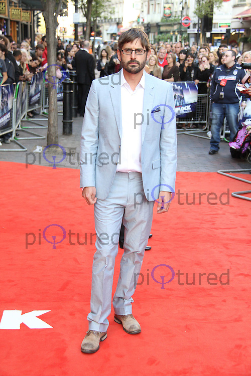 Louis Theroux Attack The Block UK Premiere, Vue Cinema, Leicester Square, London, UK, 04 May 2011:  Contact: Rich@Piqtured.com +44(0)7941 079620 (Picture by Richard Goldschmidt)