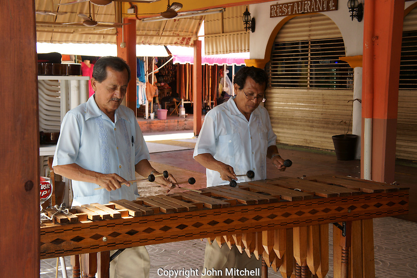 Marimba players in Mercado 28 souvenirs and handicrafts market in  Cancun, Mexico      .