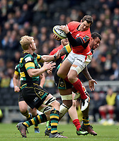 Alex Goode of Saracens claims the ball in the air. Aviva Premiership match, between Northampton Saints and Saracens on April 16, 2017 at Stadium mk in Milton Keynes, England. Photo by: Patrick Khachfe / JMP