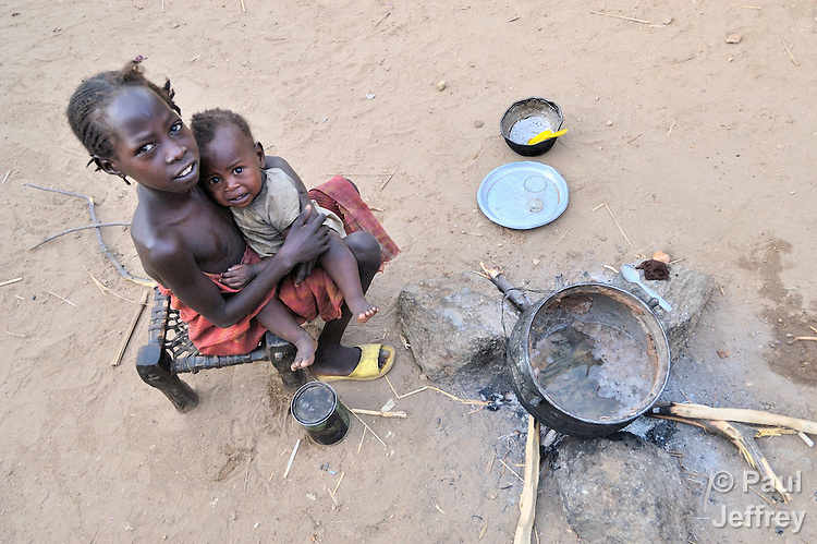South Sudan: What is the fighting about?
