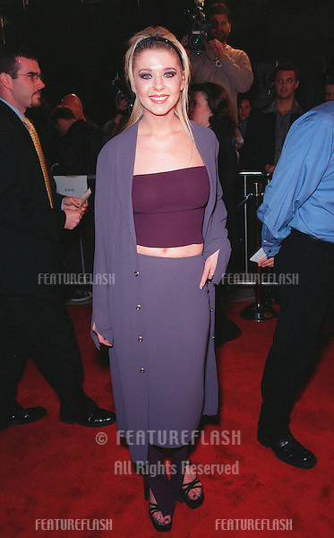 """25FEB99:  Actress TARA REID at the premiere of her new movie """"Cruel Intentions"""" in which she stars with Sarah Michelle Gellar..© Paul Smith / Featureflash"""