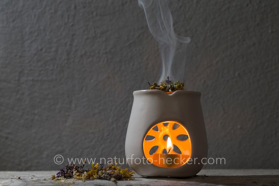 Räuchern mit Kräutern, Kräuter, Wildkräuter, Duftkräuter, Duft, Räucher-Stövchen, Räucherstövchen, Kerze, Kerzenschein, wellness, Raunächte, ätherische Öle, Geruch, Duftkerze, Stimmung, Gemütlich, Gemütlichkeit. Smoking with herbs, wild herbs, aromatic herbs, fumigate, cure, incense, Incense Warmer, portable hearth, Incense Burner, smell, candle, candlelight, wellness, essential oils, aroma, fragrance candle, mood, Comfortable, cozy atmosphere. Baumharz, Harz, tree gum, liquid pitch. Echter Lavendel, Lavandula angustifolia, Lavender. Oregano, Wilder Dost, Echter Dost, Gemeiner Dost, Origanum vulgare, Oregano, Wild Marjoram. Tüpfel-Johanniskraut, Echtes Johanniskraut, Tüpfeljohanniskraut, Hypericum perforatum, St. John´s Wort. Gewöhnlicher Beifuß, Beifuss, Artemisia vulgaris, Mugwort, common wormwood. Salbei, Salvia spec., Sage. Echtes Mädesüß, Mädesüss, Filipendula ulmaria, Meadow Sweet, Quenn of the Meadow.