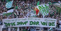 Fussball 1. Bundesliga   Saison  2012/2013   34. Spieltag   1. FC Nuernberg - SV Werder Bremen       18.05.2013 SV Werder Bremen bedanken sich per Plakat beim Ex Trainer Thomas Schaaf; Niemand war je mehr Weder Bremen als DU! Thomas Schaaf einer von uns!