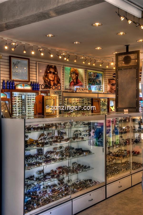 Sunglass-Display-on-Sale-name-Brands-Showcase.jpg