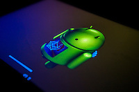 The little Android man appears during an update of the Android operating system on a Samsung tablet, seen on Monday, August 26, 2013. (© Richard B. Levine)