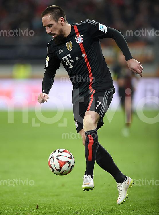 Fussball  1. Bundesliga  Saison 2014/2015  15. Spieltag  FC Augsburg - FC Bayern Muenchen     13.12.2014 Franck Ribery (FC Bayern Muenchen) am Ball