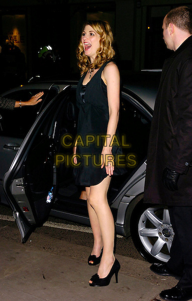 "JODIE WHITAKER.The ""Venus"" UK premiere, Chelsea Cinema,.London, England, 22nd January 2007..full length black dress shoes getting out of car.CAP/CAN.©Can Nguyen/Capital Pictures"