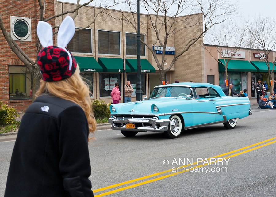 At the 58th Annual Easter Sunday Vintage Car Parade and Show sponsored by the Garden City Chamber of Commerce, hundreds of authentic old motorcars, 1898-1988, including antiques, classic, and special interest participated in the parade.