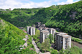 Plattenbausiedlung in Tchiatura - Region Imeretien. / Slab buildings in Tchiatura (Georgia).
