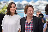 Marion Cotillard &amp; Mathieu Amalric at the photocall for &quot;Ismael's Ghosts&quot; at the 70th Festival de Cannes, Cannes, France. 17 May 2017<br /> Picture: Paul Smith/Featureflash/SilverHub 0208 004 5359 sales@silverhubmedia.com