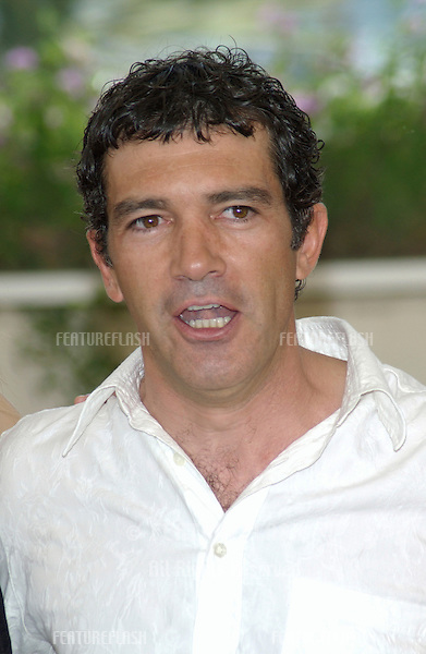 Actor ANTONIO BANDERAS at the Cannes Film Festival to promote his new movie Femme Fatale..25MAY2002.  © Paul Smith / Featureflash