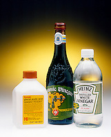 ACETIC ACID &amp; HOUSEHOLD VINEGAR<br /> Glacial Acetic Acid, Balsamic &amp; White Vinegar<br /> Acetic acid is a familiar laboratory weak acid. It is also the active ingredient in vinegar.