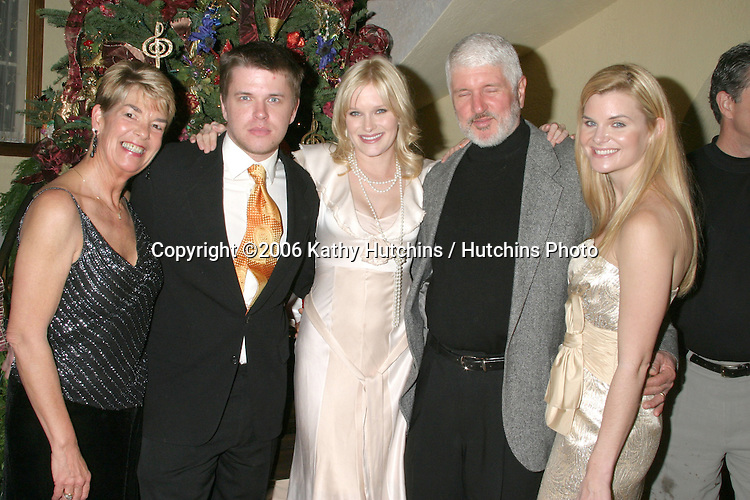 Heather Tom family