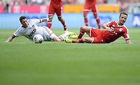 Fussball  1. Bundesliga  Saison 2013/2014  3. Spieltag FC Bayern Muenchen - 1. FC Nuernberg       24.08.2013 Mario Goetze (re, FC Bayern Muenchen) gegen Daniel Ginczek(1. FC Nuernberg)