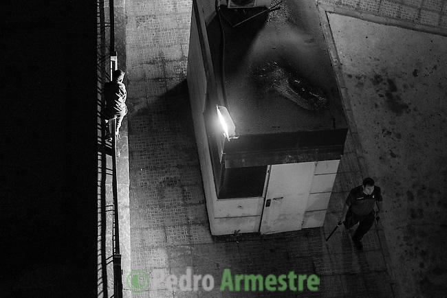 16 septiembre 2015. Melilla. <br /> &quot;Un grupo de unos 60 menores marroqu&iacute;es no acompa&ntilde;ados viven en las calles de Melilla, esperando la oportunidad de dejar la ciudad escondidos en los barcos que zarpan hacia la Pen&iacute;nsula. Debido a su situaci&oacute;n de desamparo, muchos de estos menores son consumidores de droga, sufren abusos y maltratos&quot;. &copy; Pedro Armestre/ Save the Children Handout - No sales - No Archives - Editorial Use Only - Free use only for 14 days after release. Photo provided by SAVE THE CHILDREN, distributed handout photo to be used only to illustrate news reporting or commentary on the facts or events depicted in this image.