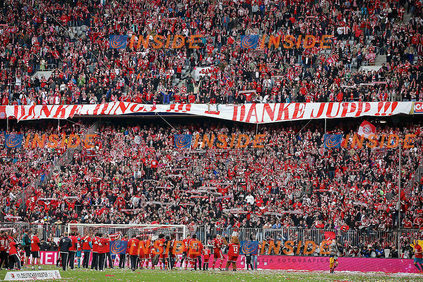 "11.05.2013, Allianz Arena, Muenchen, GER, 1. FBL, FC Bayern Muenchen vs FC Augsburg, 33. Runde, im Bild Fans bedanken sich mit Banner ""Danke Jungs - Danke Jupp"" // during the German Bundesliga 33th round match between FC Bayern Munich and FC Augsburg at the Allianz Arena, Munich, Germany on 2013/05/11. EXPA Pictures © 2013, PhotoCredit: EXPA/ Eibner/ Peter Fastl..***** ATTENTION - OUT OF GER ***** .Football Calcio 2012/2013.Bundesliga Germania .Bayern Campione di Germania Festeggiamenti.Foto Expa / Insidefoto .ITALY ONLY"