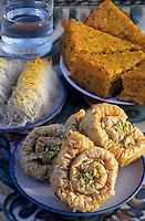 Europe/Chypre/Env de Polis : Desserts chypriotes de l'Anassa Hôtel - Pechies, Kateifi et gâteau de semoule à l'orange