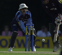 ©  Sportsbeat Images.+44 (0) 208 876 8611.email images@sportsbeat.co.uk.Photo Peter Spurrier 14/07/2002.Sport Cricket - Nowich Union Sunday league.Middlesex Crusaders vs Gloucester  Gladiators - Walker Ground - Southgate.