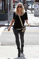 """Fergie Shops for lingerie at """" Agent Provocateur  """", a sexy lingerie boutique - Los Angeles"""