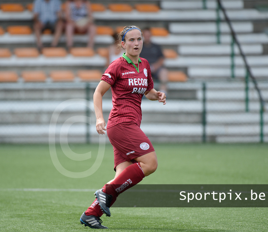 20150808 - ZULTE , BELGIUM : Zulte's Joke Verlinde pictured during a friendly soccer match between the women teams of Zulte-Waregem and RSC Anderlecht  , during the preparations for the 2015-2016 SUPERLEAGUE season, Saturday 8 August 2015 . PHOTO DAVID CATRY
