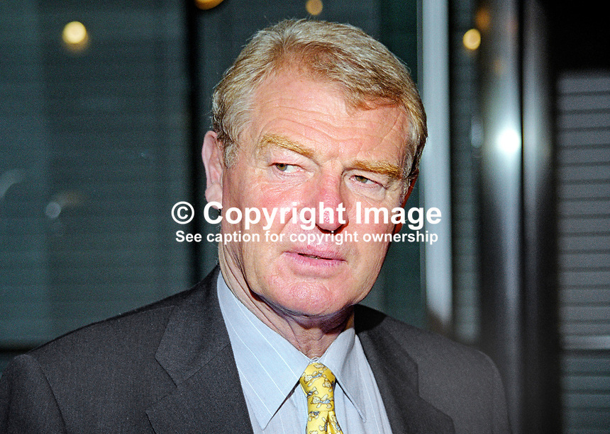 Paddy Ashdown, Liberal Democrat MP, Britain. Retired 1999 as party leader. Ref:199909046<br />
