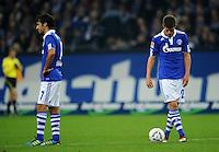 FUSSBALL   1. BUNDESLIGA   SAISON 2011/2012    9. SPIELTAG FC Schalke 04  - 1. FC Kaiserslautern                      15.10.2011 RAUL (li) und Klaas-Jan HUNTELAAR (re, beide Schalke) sind nach dem 1:2 enttaeuscht