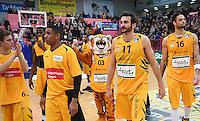 Basketball  1. Bundesliga  2016/2017  Hauptrunde  14. Spieltag  16.12.2016 Walter Tigers Tuebingen - Alba Berlin Enttaeuschung Tigers; Tim Deschner, Jeferson Hiller, Maskottchen Walter, Alvaro Munoz und Gary McGhee (v.li.)