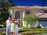 Family Portrait, Contemporary Residence Extreior