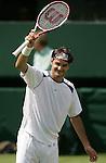 Tennis All England Championships Wimbledon Roger Federer (SUI) jubelt in seinem Match gegen Paul-Henri Mathieu (FRA).