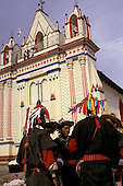 = Indians totziles in front Larainzar church  Chiapas  Mexico   /// indiens totziles devant église de Larainzar  Chiapas  Mexique  +