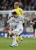 FUSSBALL  CHAMPIONS LEAGUE  HALBFINALE  RUECKSPIEL  2012/2013      Real Madrid - Borussia Dortmund                   30.04.2013 Marco Reus (hinten, Borussia Dortmund) gegen Mesut Oezil (vorn, Real Madrid)