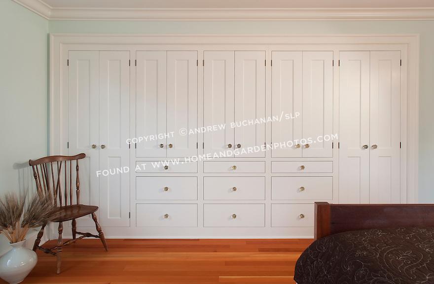 df018862 interior shaker cabinet