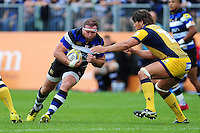 Henry Thomas of Bath Rugby takes on the Worcester Warriors defence. Aviva Premiership match, between Bath Rugby and Worcester Warriors on September 17, 2016 at the Recreation Ground in Bath, England. Photo by: Patrick Khachfe / Onside Images