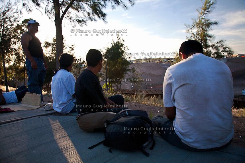 Migranti tra Messico e Arizona