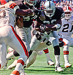 Oakland Raiders vs. Cleveland Browns at Oakland Alameda County Coliseum Sunday, September 24, 2000.  Raiders beat Browns  36-10.  Oakland Raiders full back Zack Crockett (32).