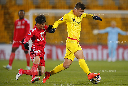 (L-R) Le Cong Vinh (Binh Duong), Cristiano (Reysol), March 3, 2015 - Football / Soccer : 2015 AFC Champions League Group E match between Kashiwa Reysol 5-1 Binh Duong at Hitachi Kashiwa Stadium in Chiba, Japan. (Photo by Yusuke Nakanishi/AFLO SPORT) [1090]