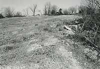 1998 February ..Conservation.Campostella Heights..Campostella Heights Study.Vacant Lot..Lot 9 looking North...NEG#.NRHA#.02/98  SPECIAL: Camp.12:14:23.