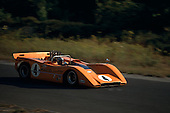 Bruce McLaren in McLaren M8-Chevrolet at the 1968 Bridgehampton Can-Am.