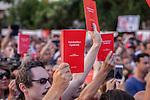 Via d'Amelio: centinaia di Agende Rosse in ricordo di Paolo Borsellino