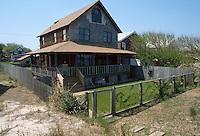1989 April 18..East Ocean View.Cottage Line.1508 EAST OCEAN VIEW AVENUE...NEG#.NRHA#..