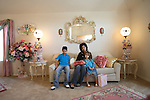 Jean and her family in the front room. English Romanichels whose family came to the USA at the beginning of the twentieth century. Texas, USA 2006