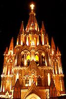 Night shot of the Parroquia de San Miguel Arcangel, Parish church in San Miguel de Allende, Mexico. San Miguel de Allende is a UNESCO World Heritage Site....