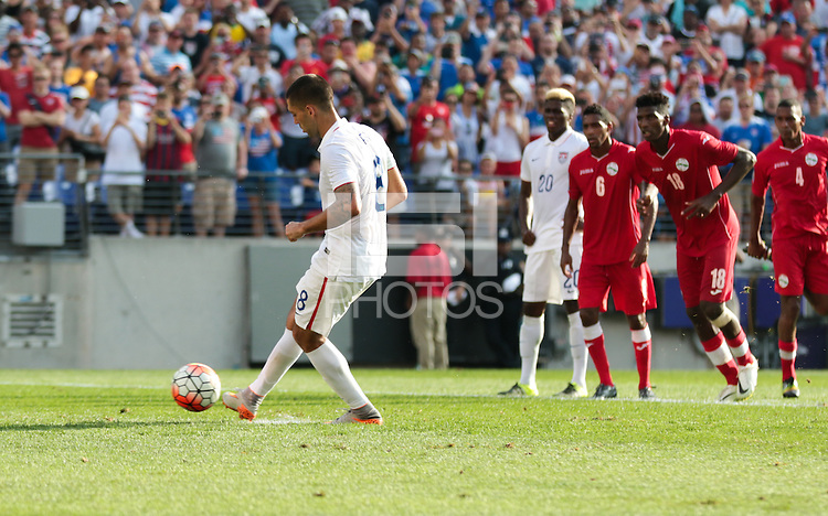 Baltimore, Maryland - Saturday, July 18, 2015: The US Men's National team take a 5-0 lead over Cuba in the second half during quarter final play in the 2015 Gold Cup at M&T Bank Stadium.