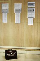 Apertura della sala d'attesa per le conciliazioni e controversie del lavoro.Ministero del lavoro e politiche sociali.Direzione provinciale del lavoro di Roma. Servizio politiche del lavoro. .Opening of the waiting room for conciliation and litigation work. .Ministry of Labor and Social Policy. Provincial Employment Office in Rome. Service labor policies. ..