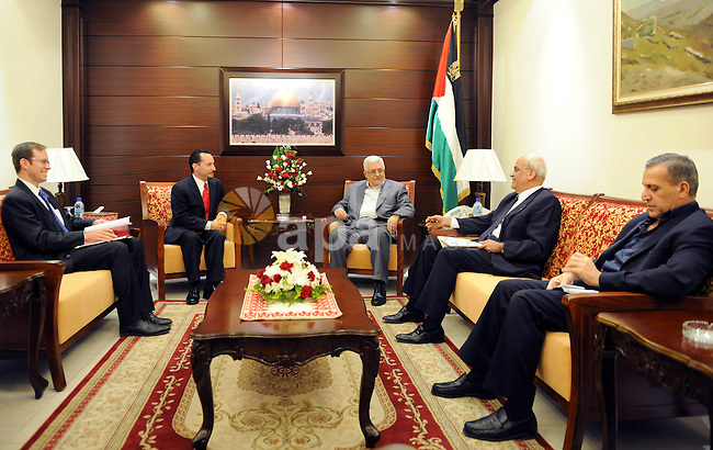 Palestinian President Mahmoud Abbas (Abu Mazen) meets with the American Consul in the West Bank city of Ramallah on Sept. 30, 2011. Photo by Thaer Ganaim