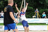 FIERLJEPPEN: GRIJPSKERK: 17-08-2013, 1e Klas wedstrijd, winnende sprong Oane Galama, ©foto Martin de Jong