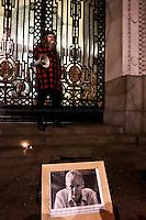 13.12.2010 - Demonstration in Support of Julian Assange outside the Australian House