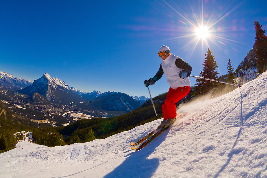 Skiing at Ski Norquay, (Farholm Range in background), Banff, Banff National Park, Alberta, Canada